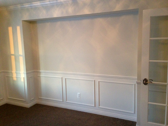 Dining room with hutch area cutout