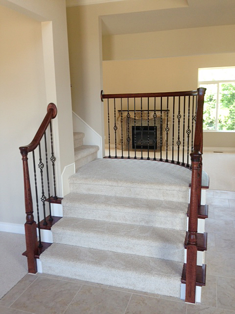 Staircase with a curved landing