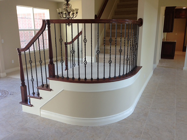Stairway with curved landing